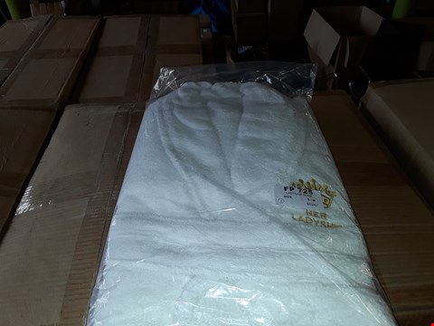Lot 129 4 BOXES TO AMOUNT TO APPROXIMATELY 24 LADYSHIP WHITE ROBES - S/M