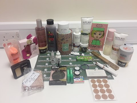 Lot 331 BOX OF ASSORTED COSMETICS TO INCLUDE: BLUSHIN BABE SET, KIPA TOFFEE FIBRE PASTE, UNIVORN DREAMS, NYLAH SHAMPOO CREAM ETC