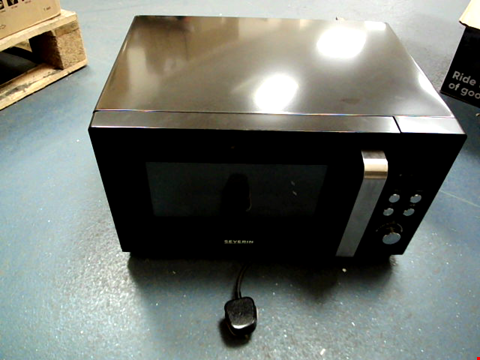 Lot 5043 SEVERIN MW 7752 MICROWAVE, GRILL FUNCTION, CONVECTION, METAL, 900 W, 25 LITERS, BLACK