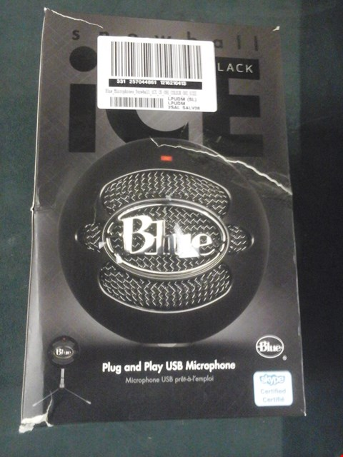 Lot 1048 GRADE 1 BOXED BLUE MICROPHONE SNOWBALL ICE USB MICROPHONE AND TURTLE BEACH HEADPHONES RRP £105