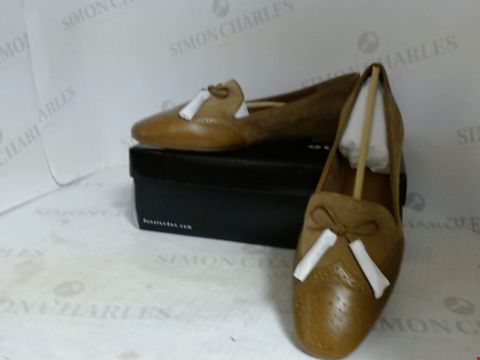 Lot 16090 BOXED PAIR OF DESIGNER DUNE SHOES - UK SIZE 7