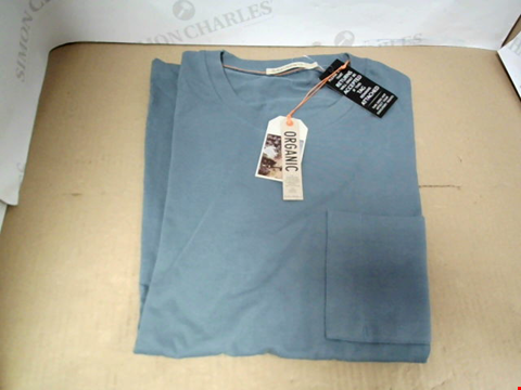 Lot 7066 NUDIE JEANS KURT BLUE METAL WORKER T-SHIRT - SIZE MEDIUM