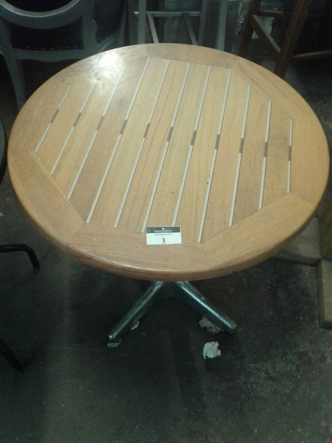 Lot 3 CIRCULAR WOODEN TOP STAINLESS STEEL TABLE
