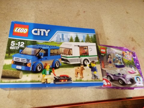 Lot 2024 A LEGO CITY AND A LEGO FRIENDS