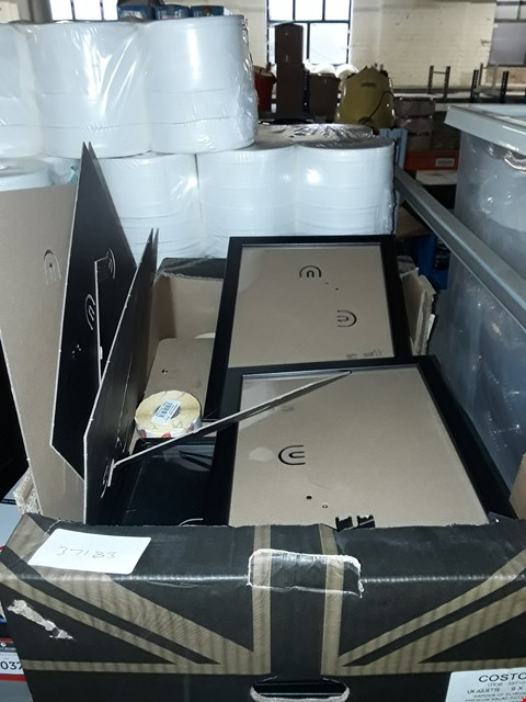 Lot 8038 BOX OF ASSORTED PICTURE FRAMES AND CLIP BOARDS