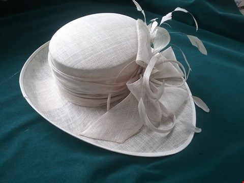 Lot 40 BRAND NEW NIGEL RAYMENT SILVER WEDDING HAT RRP £110.00