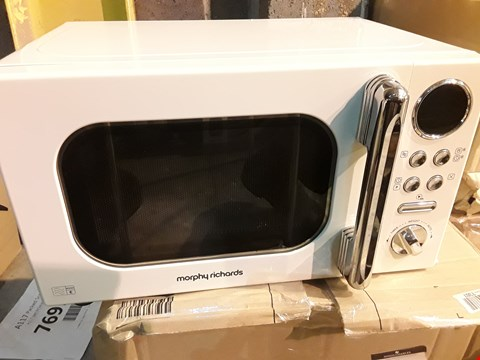 Lot 8012 MORPHY RICHARDS ACCENTS 20L 800W MICROWAVE CREAM