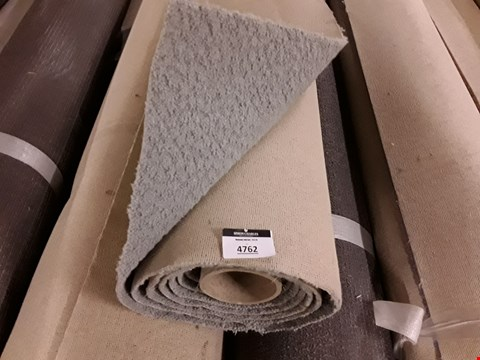 Lot 5039 ROLL OF LIGHT GREEN CARPET - SIZE UNSPECIFIED