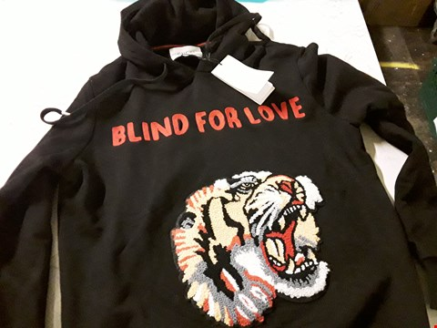 Lot 612 GUCCI STYLE EMBROIDERED TIGER HOODIE