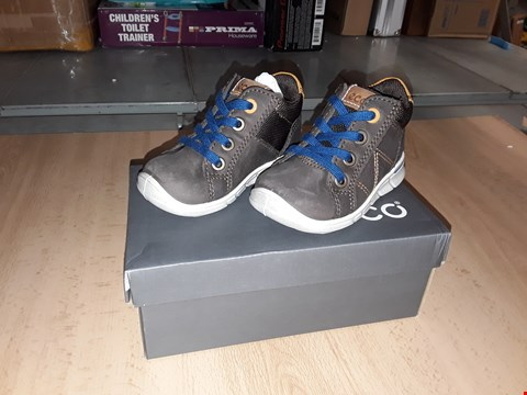 Lot 12265 BOXED ECCO CHILDRENS BROWN SUEDE LEATHER LACE UP BOOTS UK CHILDRENS SIZE 4