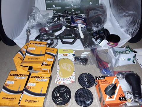 Lot 161 BOX OF APPROXIMATELY 42 ASSORTED AUTO ITEMS TO INCLUDE BMW CAR LOGO BADGE, CONTI TUBE AND TRAVEL CHARGER