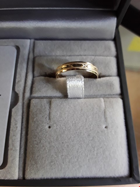 Lot 20 LOVE GOLD 9CT YELLOW GOLD DIAMOND CUT 4MM WEDDING BAND WITH MESSAGE 'SEALED WITH A KISS' RRP £120.00