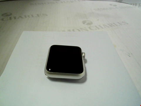 Lot 316 APPLE WATCH 7000 SERIES