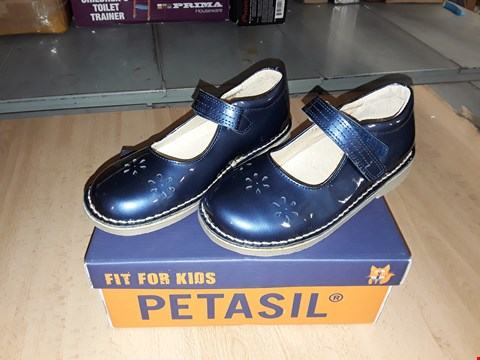 Lot 12330 BOXED PETASIL CIARA METALLIC BLUE VELCRO SHOES UK SIZE 12.5 JUNIOR