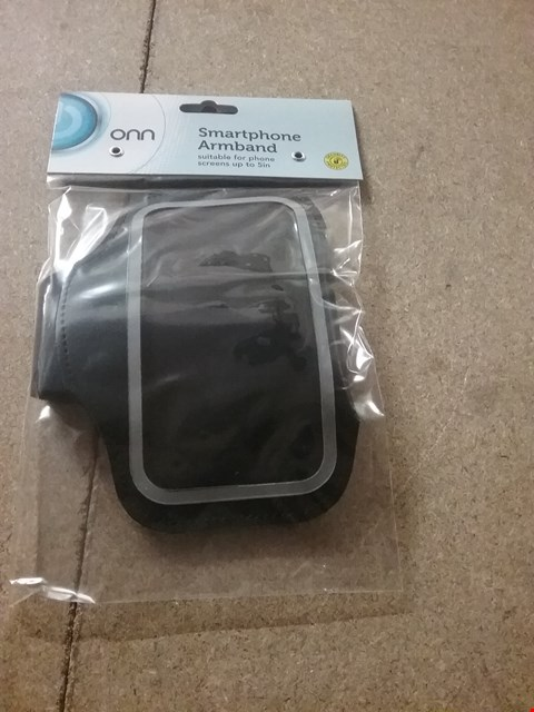 Lot 12772 BOX OF 4 BRAND NEW ONN SMARTPHONE ARMBANDS FOR PHONES UP TO 5""