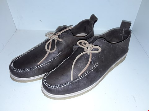 Lot 1014 A PAIR OF LAWSON LEATHER LACE UP MOCCASINS