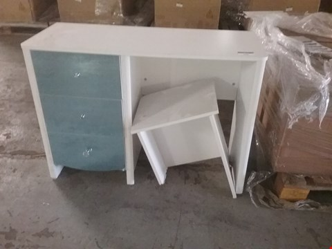 Lot 173 DESIGNER WHITE 3 DRAWER MIRRORED DESK