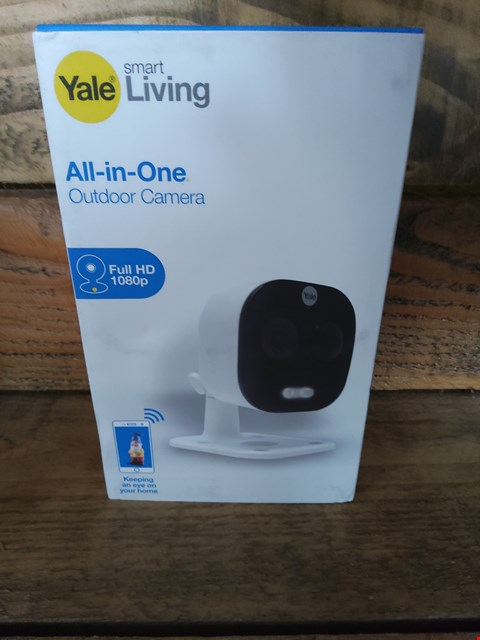 Lot 39 BOXED YALE SMART LIVING ALL IN ONE OUTDOOR CAMERA