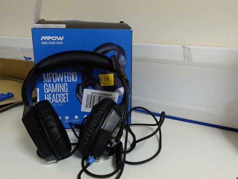 Lot 15203 XBOX HEADSET PS4 254G LIGHTWEIGHT - MPOW EG10 GAMING HEADSET WITH CLEAR & POSITIONAL AUDIO, WIRED GAMING HEADPHONES WITH NOISE CANCELLATION MIC- COMPATIBLE WITH PS4/XBOX ONE/PC
