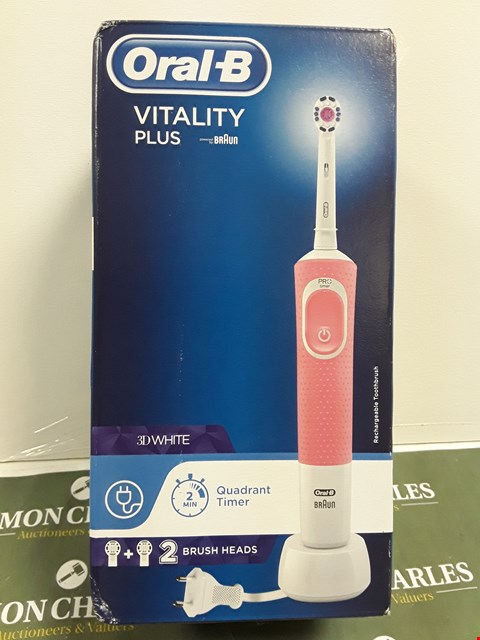 Lot 4864 BOXED & SEALED ORAL B VITALITY PLUS 3D WHITE CORDLESS TOOTHBRUSH