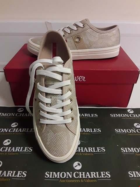 Lot 3098 DESIGNER BOXED PAIR OF CHAMPAGNE SNAKESKIN TRAINERS SIZE EU 36