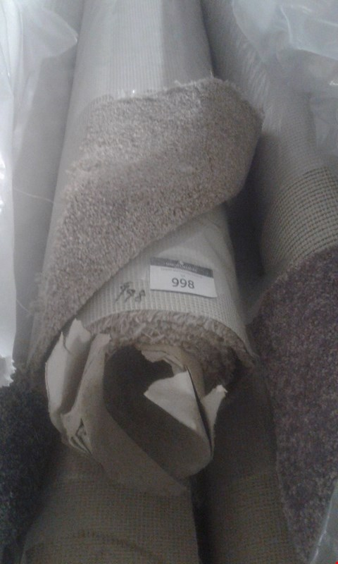 Lot 998 ROLL OF BROWN CARPET SIZE UNSPECIFIED