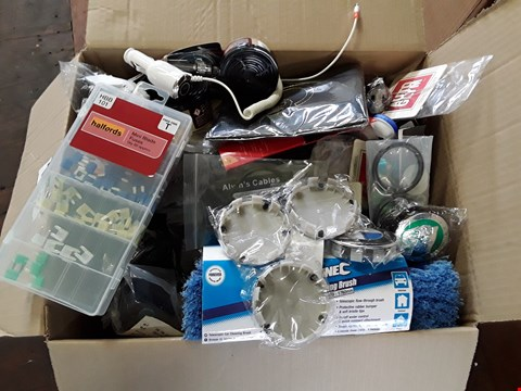 Lot 28 BOX ASSORTED CAR ACCESSORIES, INCLUDING, PHONE HOLDERS, CAR CGARGERS, AIR FRESHENERS, WHEEL CENTRES, FUSES,