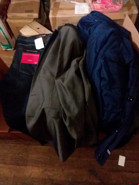 Lot 1452 LOF OF 6 BOXES OF APPROXIMATELY 83 ASSORTED ITEMS OF CLOTHING TO INCLUDE HILFIGER NAVY COAT, CHARCOAL SUIT JACKET, DARK BLUE REGULAR FIT HILFIGER JEANS ETC
