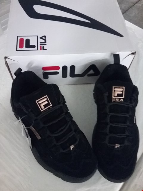 Lot 77 BOXED FILA DISRUPTOR WOMEN'S SHOES - BLACK, SIZE 5 UK