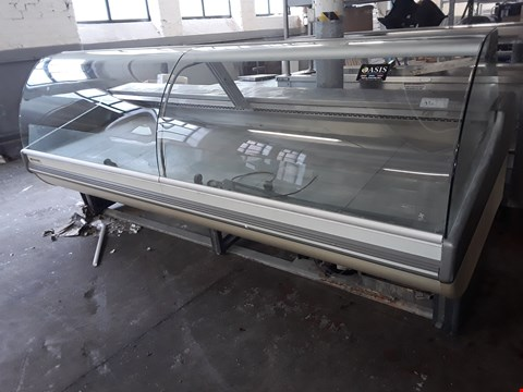 Lot 8003 LARGE REFRIGERATED DISPLAY UNIT WITH CURVED GLASS FRONT