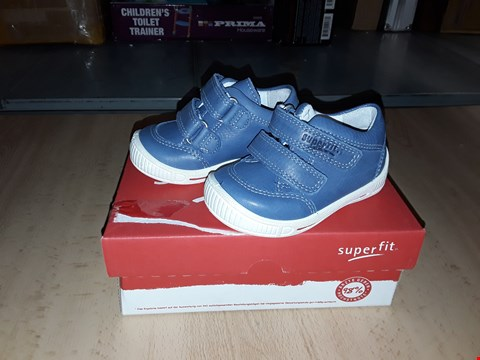 Lot 12363 BOXED SUPERFIT COOLY NAPPA LEATHER BLUE VELCRO SHOES UK SIZE 3 JUNIOR