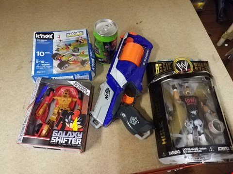 Lot 2036 5 ASSORTED ITEMS TO INCLUDE A HULK HOGAN MODEL AND A NERF STRONGARM TOY GUN