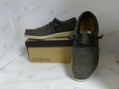 Lot 16087 BOXED PAIR OF DESIGNER HEY DUDE SHOES - UK SIZE 10