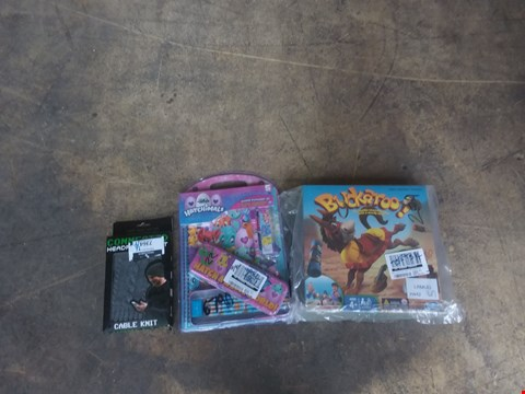 Lot 1018 FOUR ASSORTED ITEMS TO INCLUDE, HEADPHONE HAT, SATIONARY SET, BOOKAROO