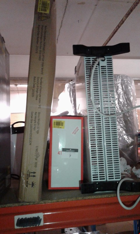 Lot 7 LOT IF 3 ASSORTED ITEMS TO INCLUDE WHITE PORTABLE LAPTOP TRAY, SIMPLE VALUE FAN HEATER, WHITE ELECTRICAL HEATER