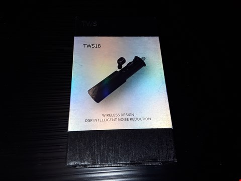 Lot 81 BOXED TWS 18 BLUETOOTH EARPHONE