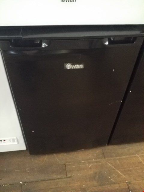 Lot 8579 SWAN SR70200B BLACK UNDER COUNTER FRIDGE RRP £179.99