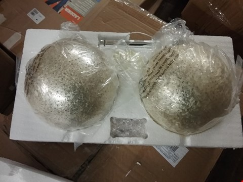Lot 7070 2 FEATHER CHAMPAGNE BALLS