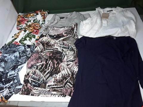 Lot 1269 LOT OF APPROXIMATELY 77 ASSORTED ITEMS OF WOMENS CLOTHING TO INCLUDE KIM&CO, RUTH LANGSFORD, NINA LEONARD