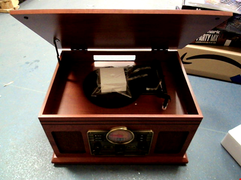 Lot 5233 IBOX WALTERS TIMELESS COLLECTION RETRO TURNTABLE