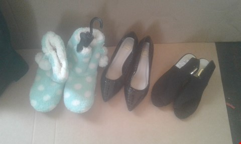 Lot 7048 APPROXIMATELY 11 X PAIRS OF LADIESVCLOTHING TO INCLUDE POLKA DOT SLIPPERS AND BLACK CALF BOOTS