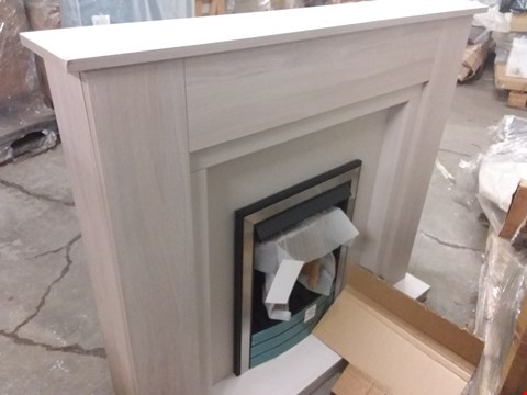 Lot 1119 BOXED ELMSFORD ELECTRIC FIRE SUITE  SILVER ELM