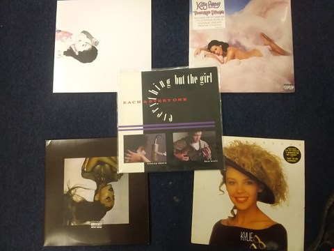 Lot 1008 10 ASSORTED VINYL RECORDS TO INCLUDE; SELENA GOMEZ, KATY PERRY, ARIANA GRANDE ETC