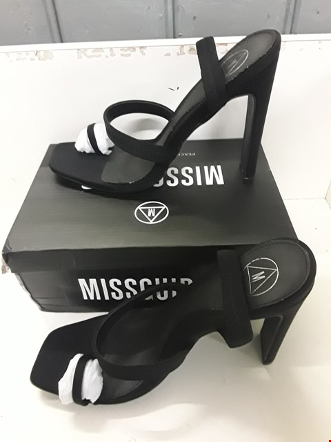 Lot 4056 PAIR OF DESIGNER BLACK HIGH HEEL SHOES IN THE STYLE OF MISSGUIDED SIZE UK 7