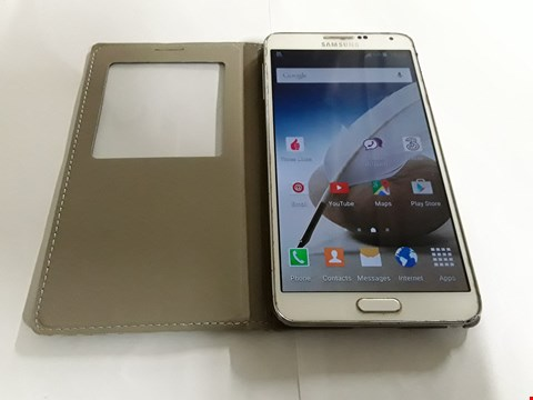 Lot 1047 SAMSUNG GALAXY NOTE 3 MOBILE PHONE IN WHITE WITH TAUPE CASE - SM-N9005