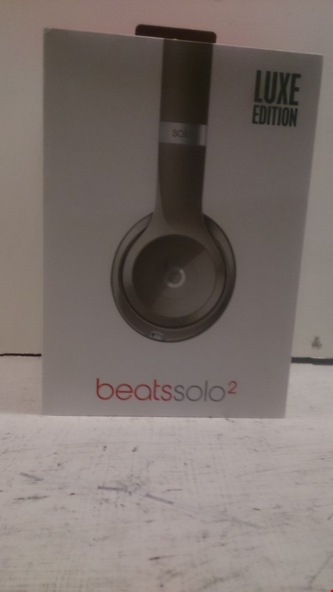 Lot 60 BEATS SOLO 2 HEADPHONES