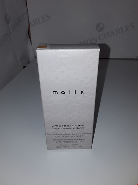 Lot 528 MALLY CORRECT, CONCEAL & BRIGHTEN SET TAN