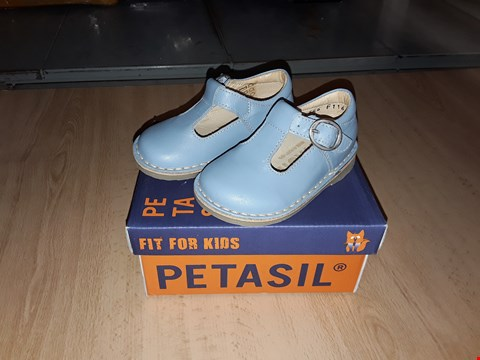 Lot 12333 BOXED PETASIL CROSSPATCH LIGHT BLUE 1 BUCKLE LEATHER SHOES UK SIZE 4 JUNIOR