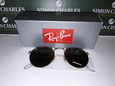 Lot 320 BOXED PAIR OF RAY BAN STYLE AVIATOR GLASSES WITH GOLD EFFECT FRAME
