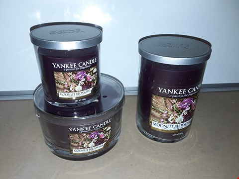 Lot 8050 SET OF 3 ASSORTED YANKEE CANDLES - MOONLIGHT BLOSSOMS